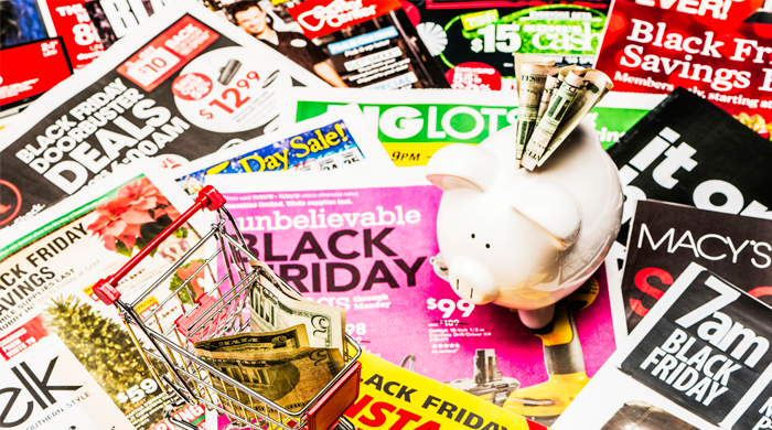 19 Feelings You'll Experience When Black Friday Shopping and How to Deal