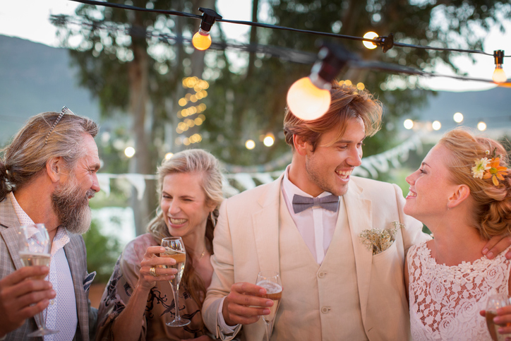 Cute Alternatives to the Standard Wedding Cocktail Hour